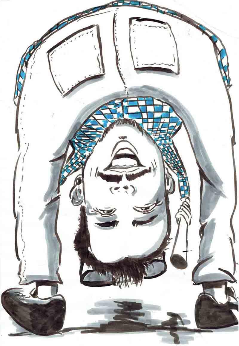 Karikatur Mann spielt Kubb und setzt zum Königsschuss an